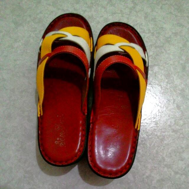 皮製拼接時尚拖鞋