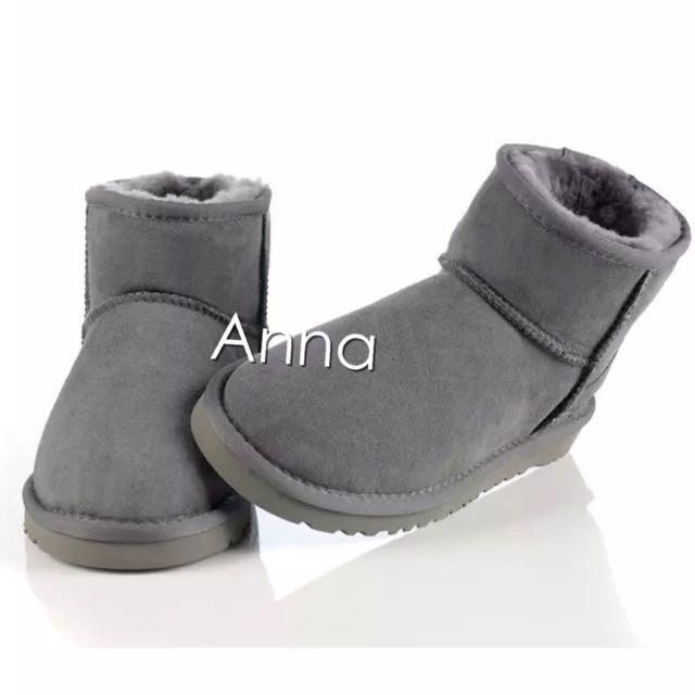 【Anna】牛皮羊毛~真皮5854 底筒 雪靴(灰色)《2雙免運》UGG太陽花底
