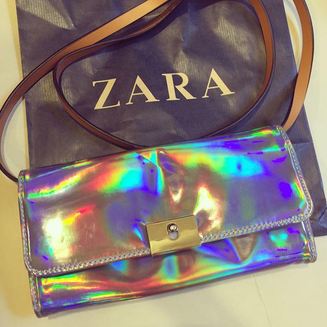 ZARA 、肩背包、可手拿包、炫光、、皮夾防搶包 時尚銀光 拉鍊 吸磁
