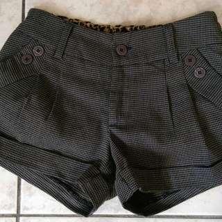 千鳥格短褲