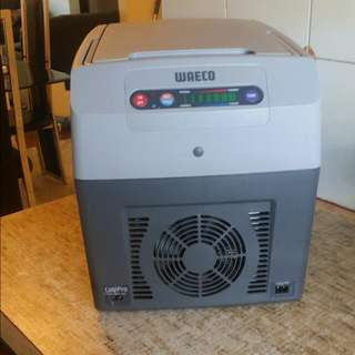 Weaco Hot and cold Fridge