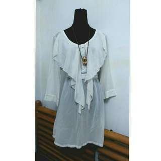 👗米白雪紡荷葉洋裝