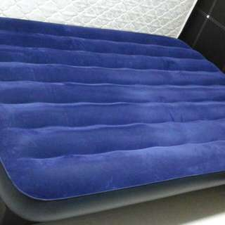 Inflatable Mattress - Queen Size 1 Month Old