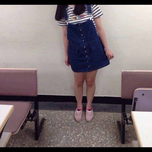 排扣連身吊帶裙