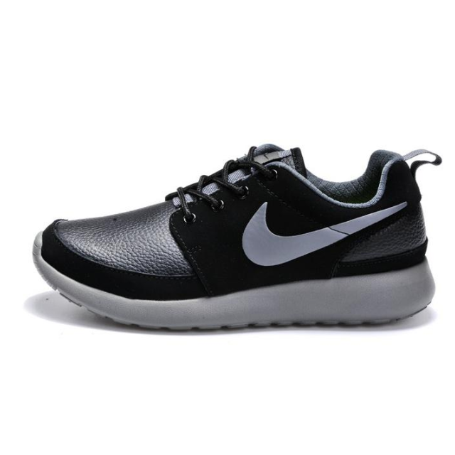 separation shoes a8519 e0048 Authentic Nike Roshe Run Leather, Sports on Carousell