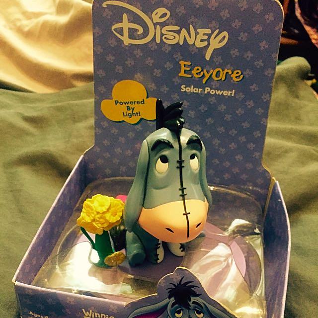 Disney 維尼熊 Eeyore 太陽能搖頭公仔❤️
