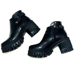 歐美韓系簡約素面鬆緊厚底低跟短靴(24.5/39)