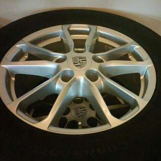 """Brand New Genuine Porsche 18"""" Wheels With OE Continental CSC3 Tires"""