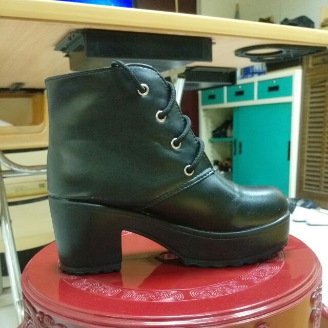 黑色厚底靴!含運