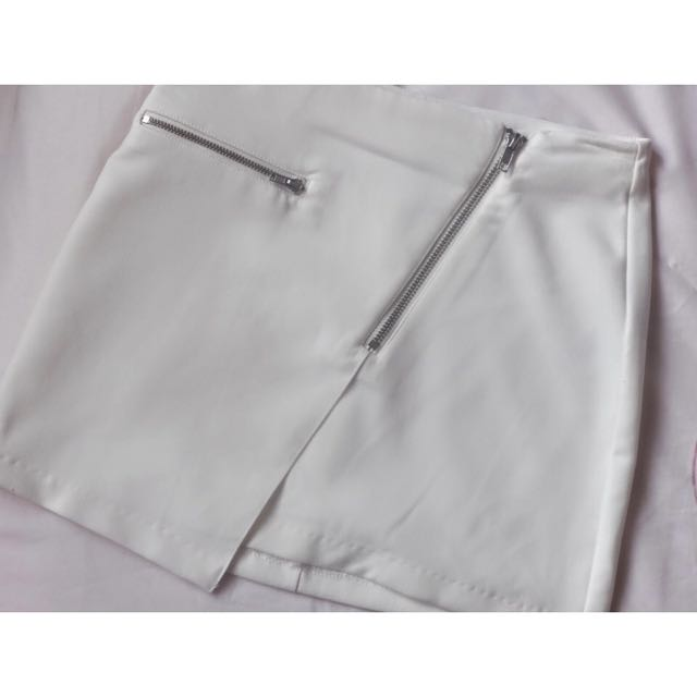 H&M Asymmetrical White Skirt