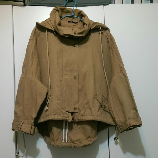 [再降📣免運🎉九成新]轉賣里琪Ni-Kiyo 立領連帽七分袖斗篷外套