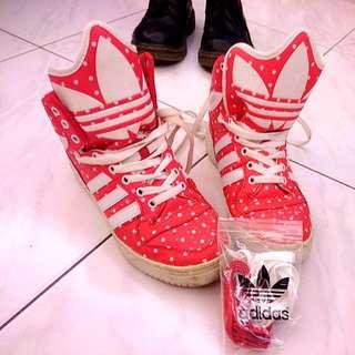 罕見特殊款正版愛迪達adidas紅底白點造型鞋舌高筒球鞋23號37半