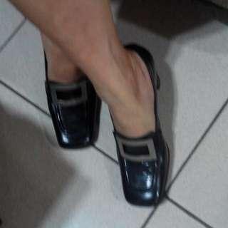 (二手可議)義大利製黑色高跟鞋