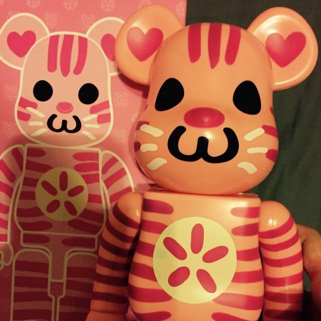 Bearbrick 400% 粉紅色豹