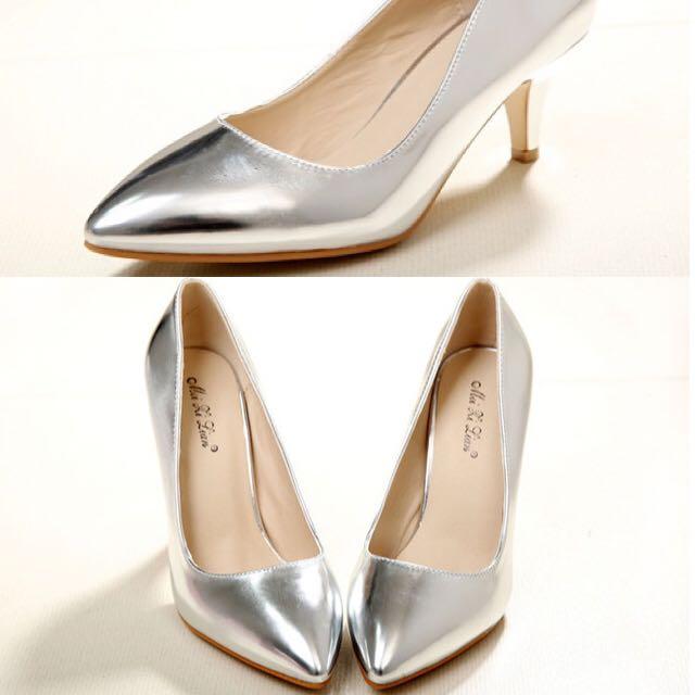 銀色尖頭跟鞋40號