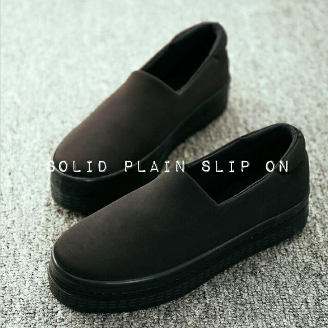 Solid Plain Slip On