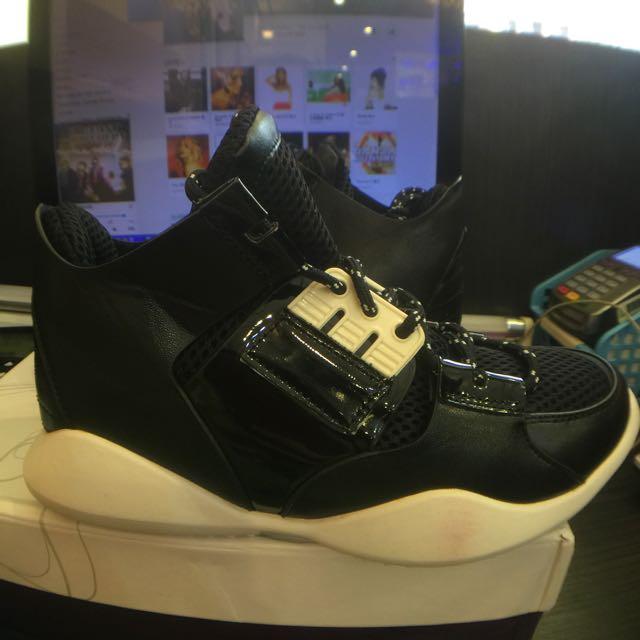 激似Y3款韓貨造型球鞋23.5