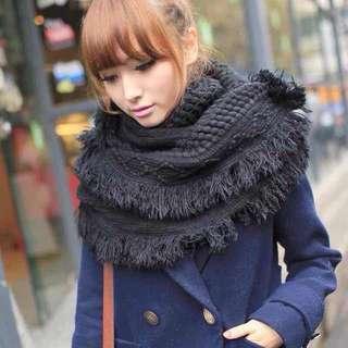 (新到貨)黑色流蘇圍巾