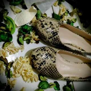 蛇紋水晶低跟圓頭娃娃鞋