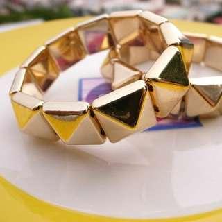 個性壓克力金色卯釘手環