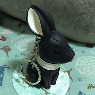 小兔皮環鑰匙圈-黑 可當公仔