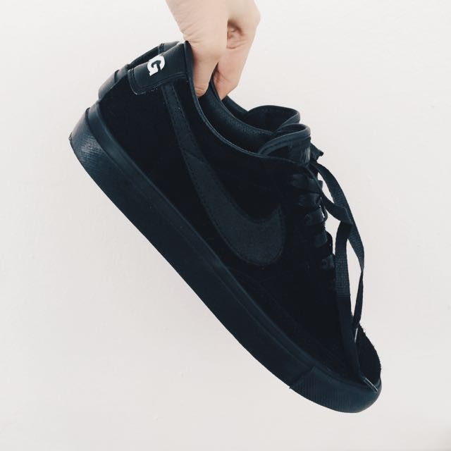 wholesale dealer 23b1c ae340 CDG x Nike Blazer Low All-black Sneakers (Brand New, US7 ...