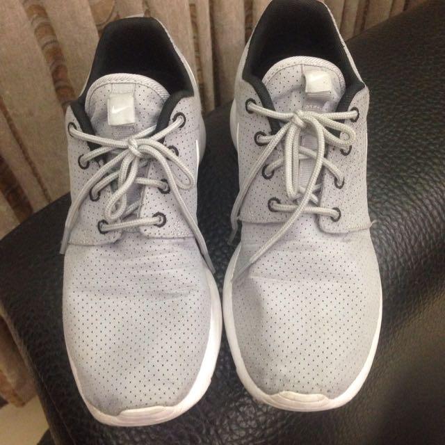 Nike Roshe Run 灰色