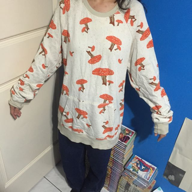 滿版菇菇oversize長袖上衣