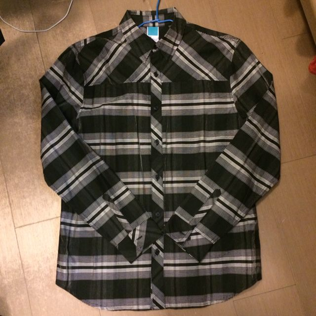 th: 不規則裁片線條質感襯衫 9成新少穿