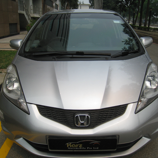 Honda Fit 1.3A G (June 2008)