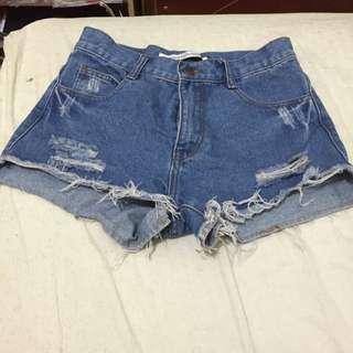 高腰深色牛仔短褲L