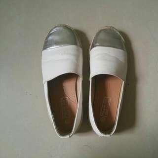 銀白拼接包鞋/38號