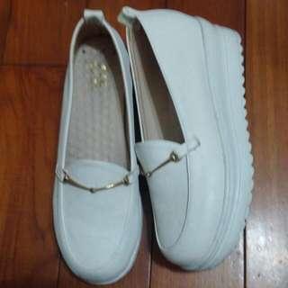 白厚底增高鞋