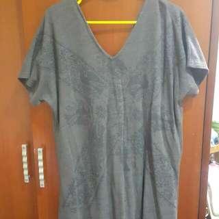 寬版大V領咖啡色圖騰洋裝