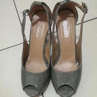 灰色亮皮魚口高根鞋