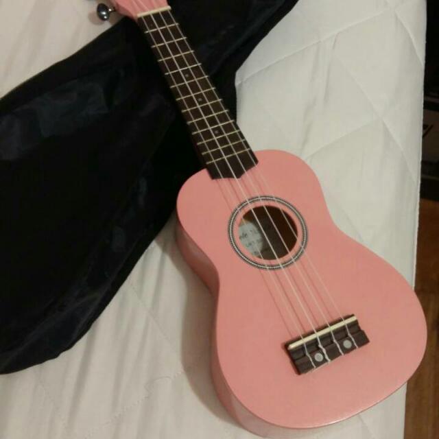 粉紅烏克麗麗