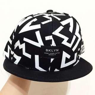韓牌Cap10 黑白帽
