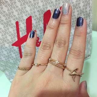 全新 H & M購入 金色燕子水鑽戒指組 HM 6入ㄧ組