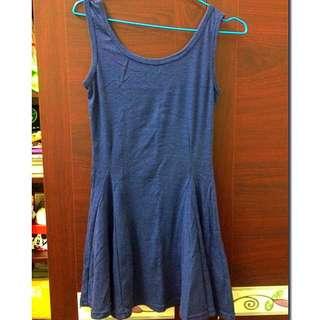 👗素面藍色傘狀背心裙