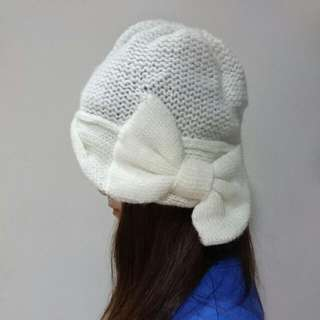 Bonita白色蝴蝶結毛帽