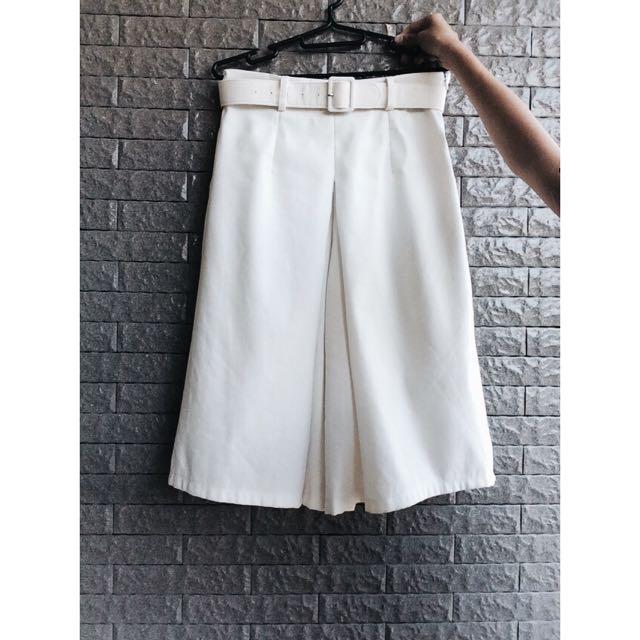 大打折降價500元✨氣質帥氣白色打摺寬褲✨