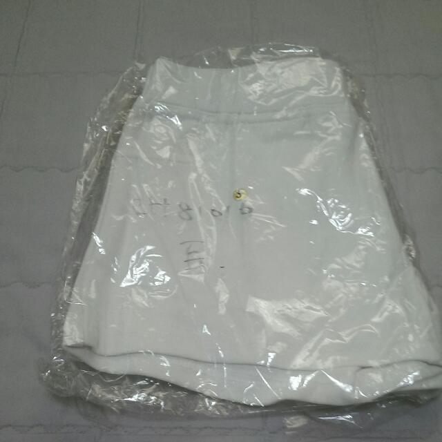 白色短褲 棉質 全新