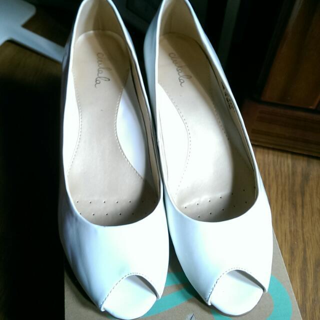 達芙妮 魚口 楔型 高跟鞋 25 / 40碼 白色