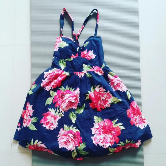 降價割愛 A&F 洋裝 1700免運 【藍色&白色】 夏日花 陽光 沙灘 伴娘