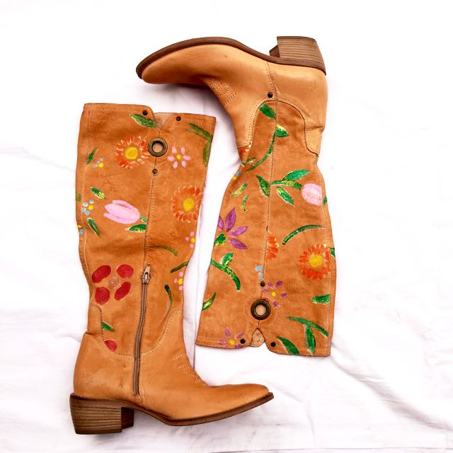 Linea Flower Leather Boots