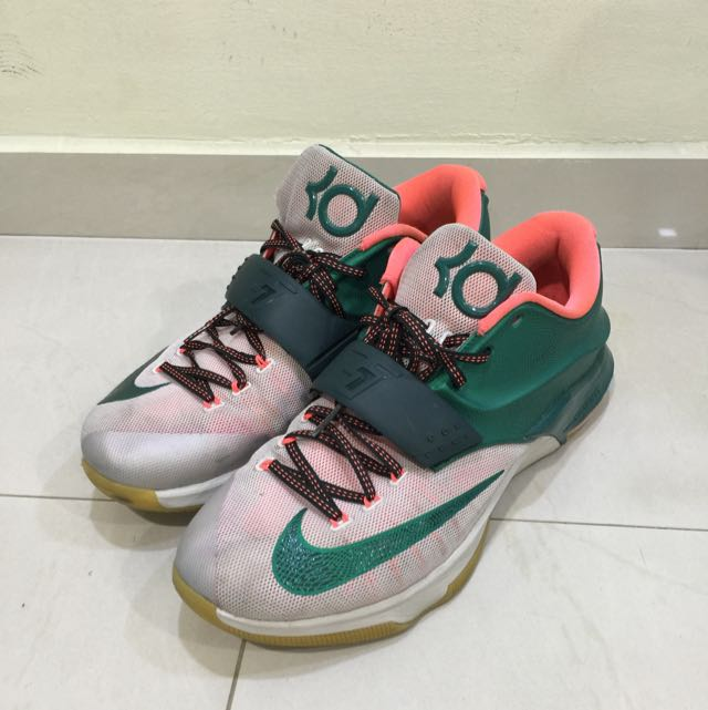 competitive price deaa2 3dbe9 PRICE REDUCED) Nike Kevin Durant 7, Sports on Carousell