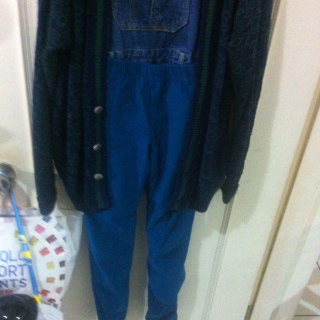 全新✨✨pazzo深藍緊身彈性褲💁💁