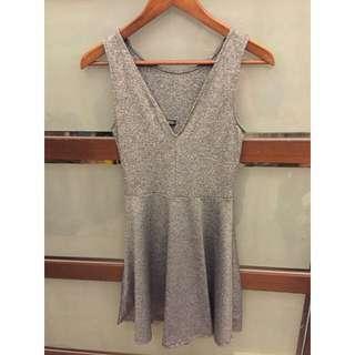 H&M質感V領洋裝