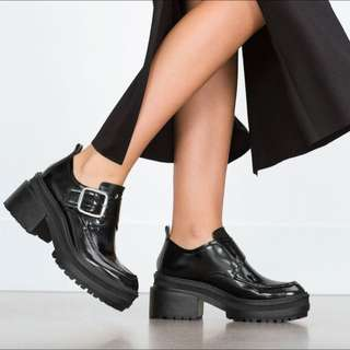 【徵】此款(或類似)黑色踝靴🙏🏻🙏🏻
