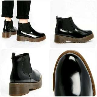 夯●英國品牌●厚底中筒靴